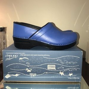 Dansko Professional Cobalt Size 39 New in Box